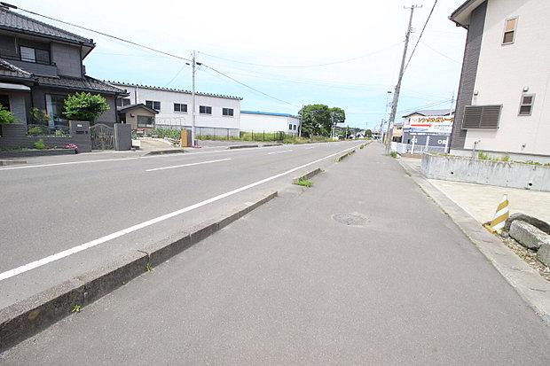 【現地写真】前面道路は北西側16.50mと広いです!