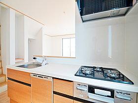 お手入れのしやすさ、作業動線のよさにこだわったキッチンです。