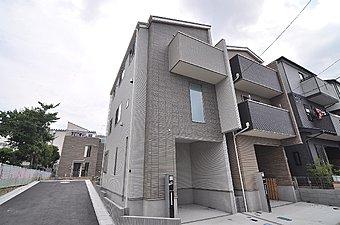 「武蔵新城」駅徒歩17分。