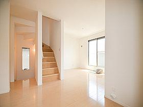 家族団らんの秘訣とも言われている、リビングイン階段を採用。