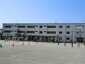 鶴嶺小学校☆ 徒歩約2分☆
