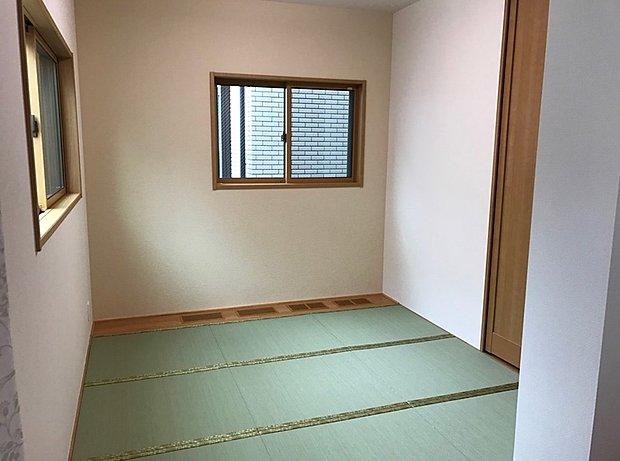 【和室】い草のかおる落ち着いた和室は癒しの空間です。