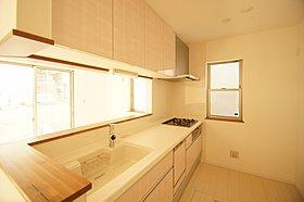 食洗機、床下収納付きのカウンターキッチン