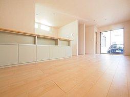 耐震プラス制震の安心住宅。 緑の潤いと利便性に恵まれた豊かな住...