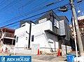 【武蔵新城のデザイン住宅】ルーフバルコニーが魅力の新築一戸建て 全2棟