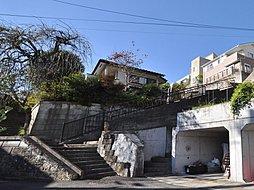 P×1台・磯子駅徒歩圏・2500万円台の新築2階建て住宅です。...