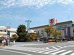 ショッピングセンター 3000m 港南台バース 港南台タカシマヤ、そうてつローゼンをキーテナントとした商業施設。映画館やカルチャーセンターもあります。