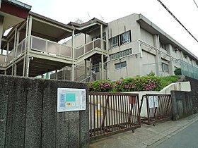 田奈中学校まで2100m