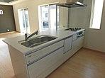 食器洗浄乾燥機付システムキッチン