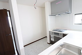 広く取られた対面キッチンは家事もはかどります
