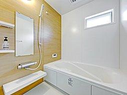 1号地浴室  電気式浴室暖房乾燥機付です。