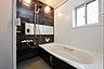 浴室(施工例写真)雨の日も気にせず洗濯物が浴室内に干せる浴室暖房乾燥機付きの浴室です。浴暖はカビの発生の抑制や、脱衣所も暖かくなる事により、温度差による体への負担を軽減することも出来ます。,,面積,価格2730万円,愛知環状鉄道「新豊田」駅 徒歩13分,名鉄三河線「豊田市」駅 徒歩17分,愛知県豊田市朝日町二丁目72番5
