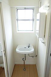 ビレッジハウス五個荘2号棟の通気性良好な洗面所