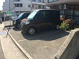 グランディール須磨の駐車場