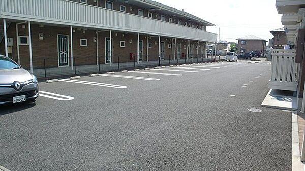 ミッシェルの敷地内駐車スペース