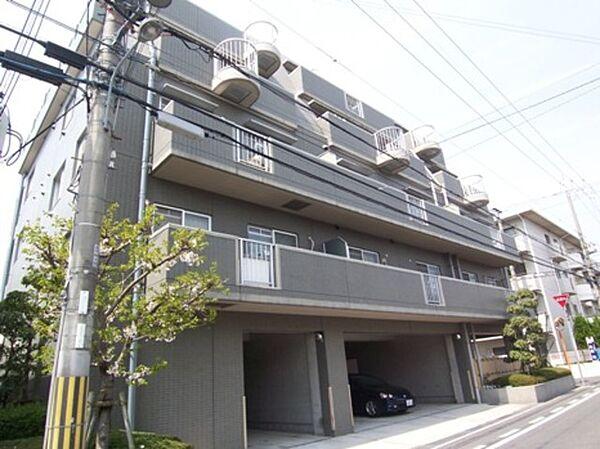 兵庫県伊丹市平松5丁目の賃貸マンションの外観