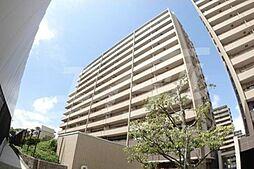 大阪府豊中市新千里南町3丁目の賃貸マンションの外観