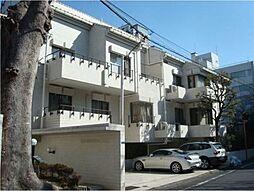 東京都港区西麻布3丁目の賃貸アパートの外観