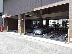 ベルメゾンの駐車場