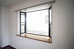ラ・フォンテーヌの出窓
