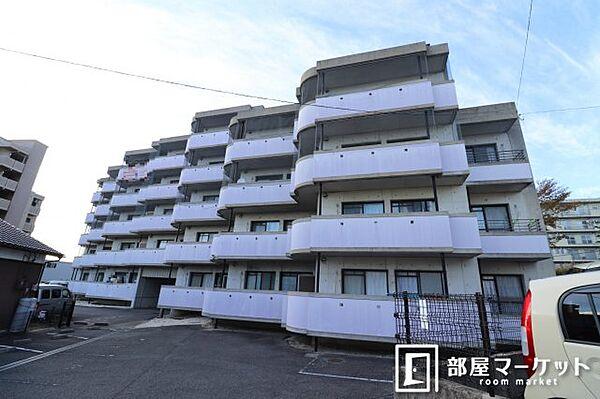 愛知県岡崎市欠町字足延の賃貸マンションの外観