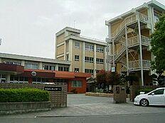 中学校紀ノ川中学校まで633m