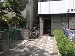 大阪府豊中市服部西町1丁目の賃貸マンションの外観