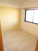6、洋室5.0帖(クローゼット、窓)