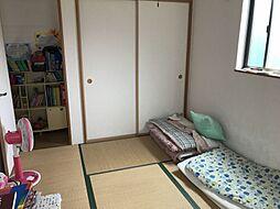 小さなお子様のお昼寝スペースや来客用として活躍する和室
