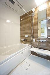 ユニットバス交換済。浴室暖房乾燥機がついております。