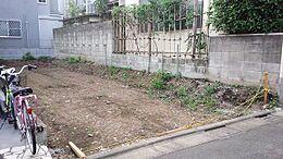 駒沢1丁目に建築条件ナシの土地が出ました。フリープランですのでお好きなハウスメーカーでお建てください