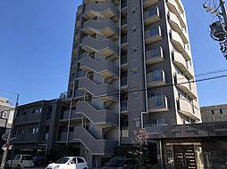 築2001年の9階建てのマンションです
