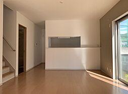 和泉鳥取戸建 4LDKの居間