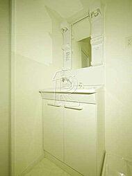 メイソンデグレース天神南のピカピカの洗面台。