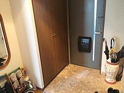 収納棚があるので散らからず、スッキリ使うことができます。