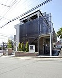 神奈川県川崎市宮前区菅生ケ丘の賃貸アパートの外観