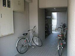 ダイソー13号館[4階]の外観