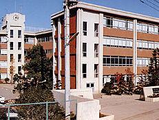 東村山市立東村山第四中学校まで1200m、東村山市立東村山第四中学校まで徒歩約15分。