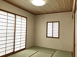 廊下から直通で客間に最適な1F6帖和室。