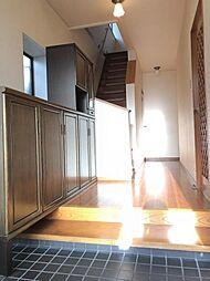 玄関横に収納があるので、片付いた玄関がキープできます