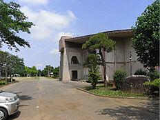阿見町立阿見中学校(591m)