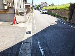 間口14m以上。並列駐車も楽にできるので、駐車が苦手な方も安心です。