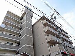 大阪府茨木市美穂ケ丘の賃貸マンションの外観