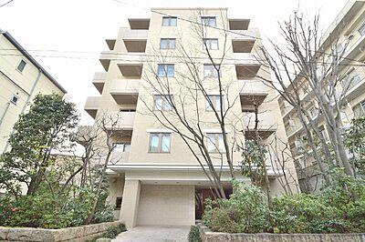 JR中央線「国立」駅徒歩圏内の便利な立地が嬉しいお部屋です。まるでホテルにいるような高級感のある素敵な空間をお楽しみください。,2LDK,面積61.29m2,価格4,180万円,JR中央線 国立駅 徒歩13分,,東京都国立市西2丁目