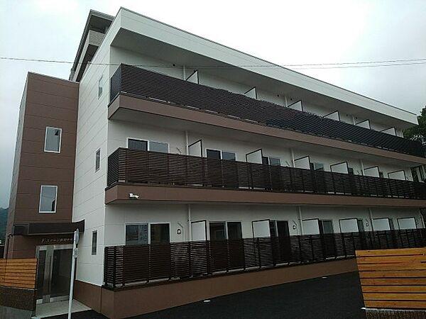 広島県呉市阿賀中央4丁目の賃貸マンション