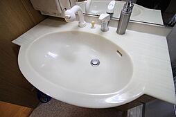 シンプルでおしゃれな洗面台