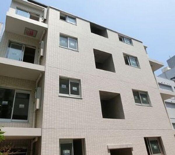 東京都新宿区揚場町の賃貸マンションの外観