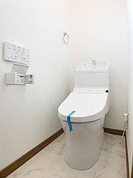 「2階トイレ」2階にもトイレ有ります。