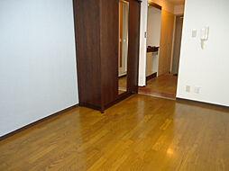 ジョイフル長田の洋室