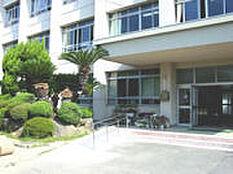 和歌山市立木本小学校まで676m